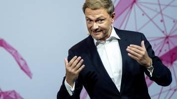 Christian Lindner auf FDP-Parteitag: Virus darf nicht über die Freiheit triumphieren