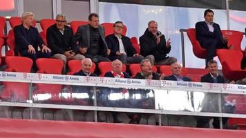 FC Bayern: Keine Corona-Abstände – Bayerns Gesundheitsministerin Huml rügt Rummenigge und Co.