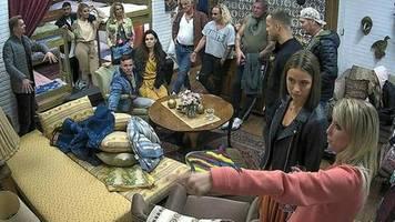 Das Sommerhaus der Stars - Kampf der Promipaare: Neue Bewohner spalten die Gruppe