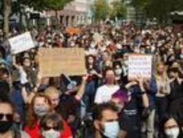 Tausende demonstrieren in Berlin für die Aufnahme von Geflüchteten aus Moria