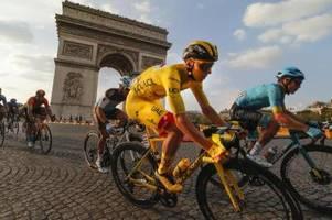 Tadej Pogacar schreibt Radsport-Geschichte und gewinnt die Tour