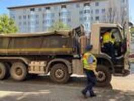 polizei kontrolliert gefährliche kreuzung in berlin-kreuzberg
