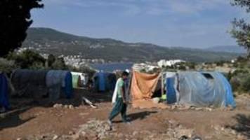 nach großbrand in moria: feuer in flüchtlingslager auf samos