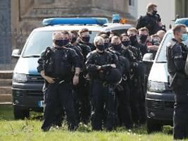 umfrage zu erhöhtem berufsrisiko: polizeien melden mehr als 1000 corona-fälle
