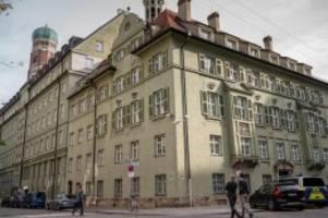 Umfangreiche Ermittlungen: Ein starkes Stück - Drogen-Razzia bei der Münchner Polizei