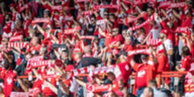 Fußball-Bundesliga in Coronazeiten: Ohne Abstand und Anstand