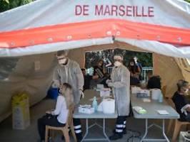 Über 16.000 Fälle an einem Tag: Frankreich meldet Rekord bei Neuinfektionen