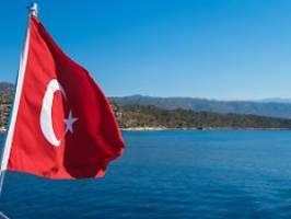 Überraschende erhöhung: türkische notenbank vollzieht die zinswende