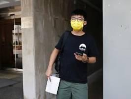 selbst auf wache gemeldet: hongkongs polizei nimmt aktivist wong fest