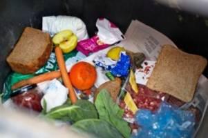 Lebensmittel: Aldi-Umfrage: Mehrheit will keine Lebensmittel wegwerfen