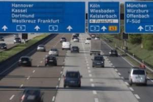stauprognose: am wochenende wenig verkehr auf den autobahnen erwartet