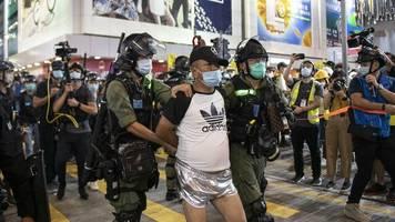 chinesische sonderverwaltungszone: aktivist joshua wong wurde in hongkong festgenommen