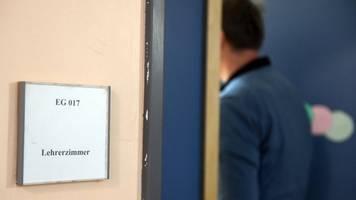 deutlicher anstieg: mehr schulleitungen berichten von angriffen gegen lehrer