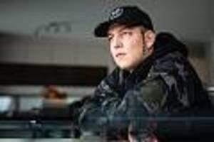 """deutschlands größter streamer - """"wie ein primat"""": internet-star montanablack schießt spannerfotos von frauen"""