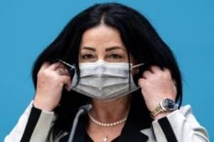 Gesundheit: Ernste Lage: Senatorin und Bezirke empfehlen Maßnahmen