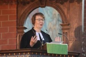 kirche: landesbischöfin für neuordnung der kirchenfinanzierung
