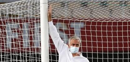 hier beschwert sich mourinho über zu kleine tore