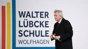 bouffier: kanzlerkandidatur noch vor bundesparteitag klären