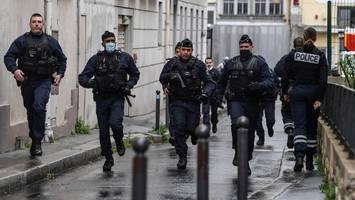 Paris: Messer-Angriff nahe ehemaligem Charlie Hebdo-Büro – vier Verletzte