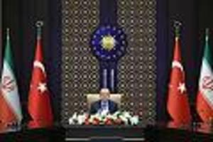 zins angehoben - nach lira-absturz trifft türkische notenbank überraschende entscheidung