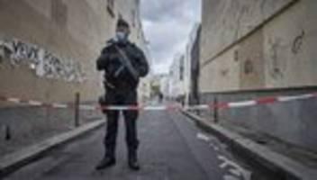Attacke vor Charlie Hebdo: Weiterer Verdächtiger nach Messerangriff in Paris festgenommen