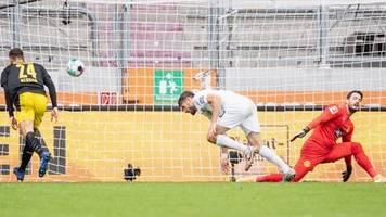 Bundesliga: FC Augsburg nach Sieg gegen BVB Erster