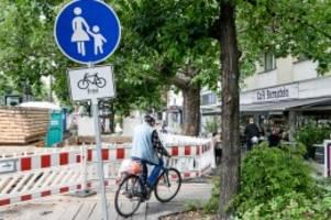 verkehr: radweg soll nicht mehr durch außenbereich von café führen