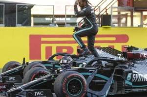 Hamilton fährt zur Pole Position in Sotschi
