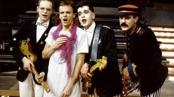 momente der tv-geschichte: buhrufe in der zdf-hitparade - ein nachthemd mischt die schlagerwelt auf