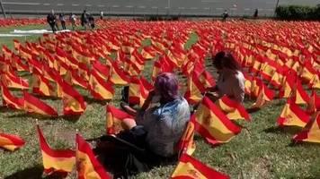 Video: Spanien: 50.000 Flaggen für die Opfer des Coronavirus