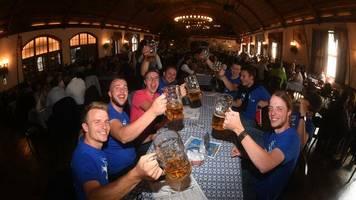 Corona-Pandemie: Bund schlägt Beschränkung auf 25 Personen bei privaten Festen vor