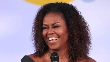 Corona: Stricken und von Barack genervt sein: Michelle Obama plaudert über die Familien-Quarantäne