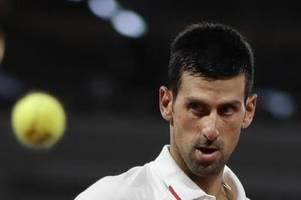 Djokovic bei French Open leicht und locker in Runde zwei