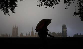 Britisches Unterhaus stimmt für Brexit-Gesetz, das Deal mit EU aushebeln würde