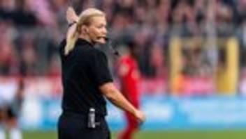 Fußball-Bundesliga: Bibiana Steinhaus beendet Karriere als Schiedsrichterin