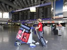 Reisen in Nicht-EU-Länder: Bundesregierung hebt pauschale Reisewarnung auf