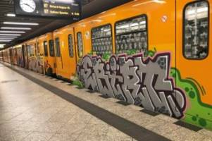 Vandalismus: Graffiti während BVG-Streik: Sprayer besprühen 32 Wagen