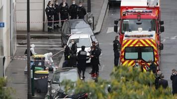 angriff auf charlie hebdo: mutmaßlicher messerangreifer von paris älter als angenommen