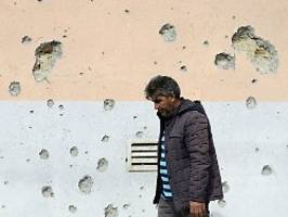 Erklärung zu Berg-Karabach: Putin, Macron und Trump fordern Waffenruhe