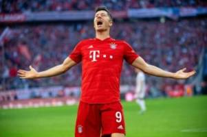 """FC Bayern: Lewandowski nach Uefa-Auszeichnung """"stolz und dankbar"""""""