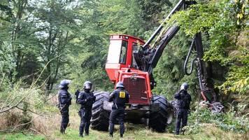Polizei: Bisher konfliktfreier Einsatz im Herrenwald