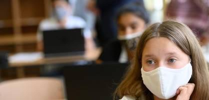 """""""Schüler treffen sich auch privat und tragen Infektion in die Schule"""""""