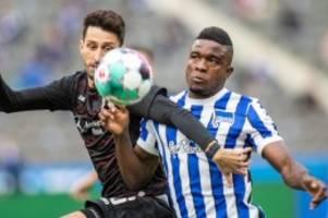 Fußball: Dritte Hertha-Niederlage in Serie: 0:2 gegen VfB Stuttgart