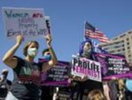 Frauen machen mobil gegen US-Präsident Trump
