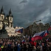 ausschreitungen bei protesten gegen anti-corona-maßnahmen in tschechien