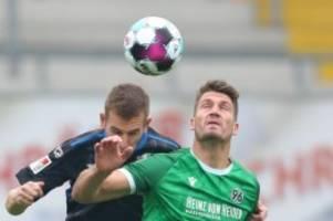 Fußball: Bundesliga-Absteiger klar besser: Paderborn schlägt Hannover