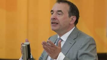 Kultusminister: Lüften beugt Coronavirus-Infektionen vor