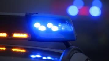 mann bedroht ehefrau und polizisten: großeinsatz