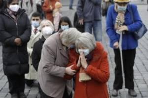 Slowenien ruft Notstand aus: Zahlen sind katastrophal: Tschechien im Corona-Krisenmodus