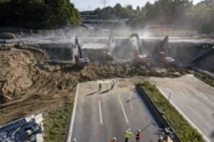hamburg: achtung autofahrer: a1 das ganze wochenende voll gesperrt